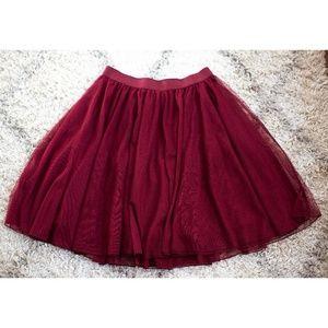 SALE Torrid Size 2 Burgundy Tulle Skirt